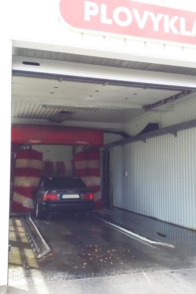 Dropson vandens nukalkinimas automobilių plovimui